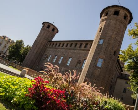 Stay at the Best Western Hotel Le Rondini and visit the residences Relai and museums!