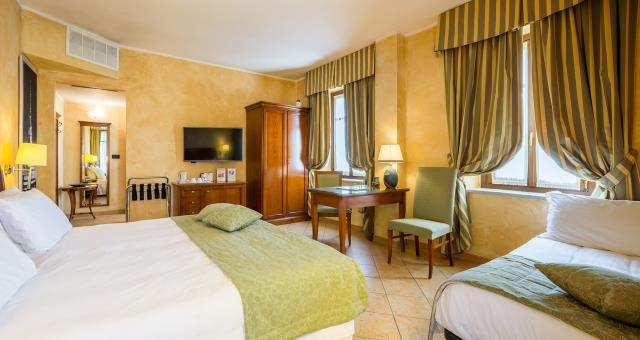 Make your holiday in Turin. Book your room now at only 20 minutes from the Centre of Turin! No tax. Garage free!