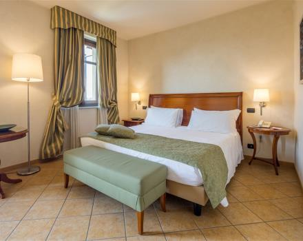 Book/reserve a room in San Francesco al Campo, stay at the Best Western Plus Hotel Le Rondini